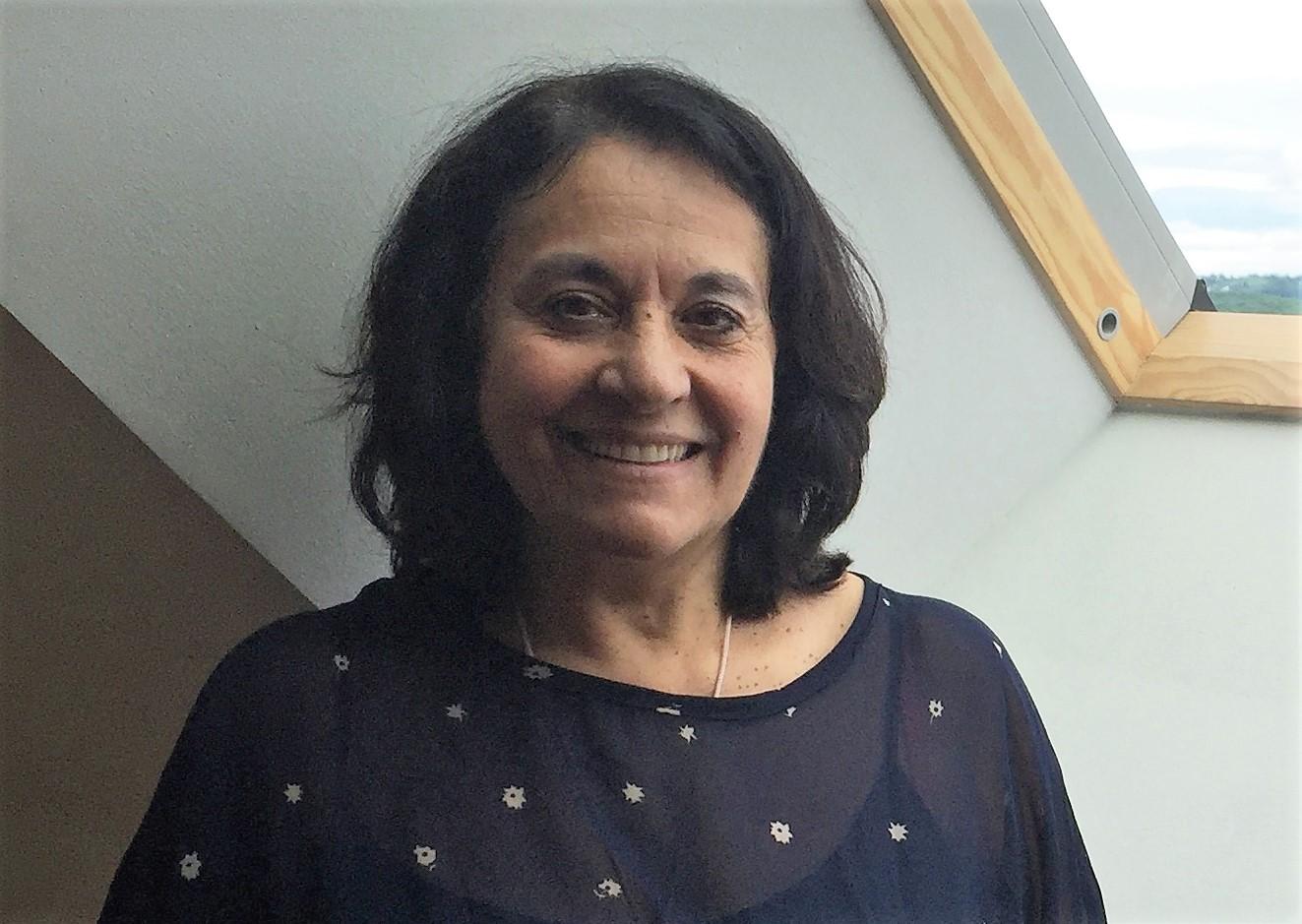 Sarah Lévy est praticienne et formatrice en kinésiologie quantique et en soins esséniens. Elle est également ambassadrice Line Life.